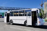 В подарок на юбилей — два новых автобуса