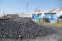 В дудинские посёлки продолжают завозить уголь