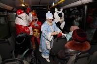 Дед Мороз и Снегурочка поздравили пассажиров