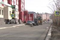 На дудинских дорогах производят ямочный ремонт