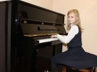 В детскую школу искусств доставили новое пианино