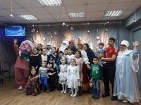 Юных и взрослых дудинцев поздравили с Новым годом