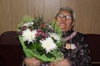 Старейшая жительница Хантайского Озера принимала поздравления от односельчан