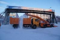 В Дудинке устраняют последствия первого снегопада