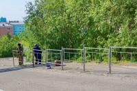В Дудинке продолжается монтаж пешеходных ограждений