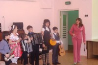 В дудинских детских садах зазвучат музыкальные инструменты