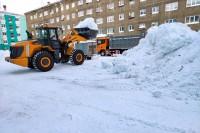 В Дудинке продолжается вывоз снежных накоплений