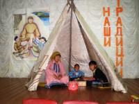 В посёлке Хантайское Озеро укрепят связь поколений