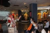 О «космологии костюма» рассказали воспитанникам школы искусств